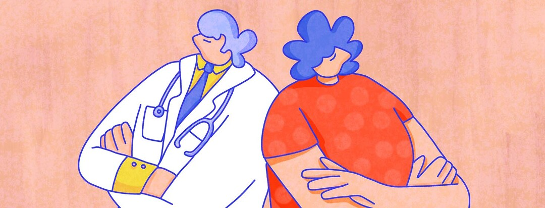 A rheumatologist and a psoriatic arthritis patient stand back to back with arms crossed